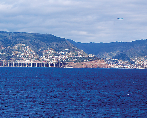 Madeira Airport amongst world's 'Top-10 most stunning aerial approaches'