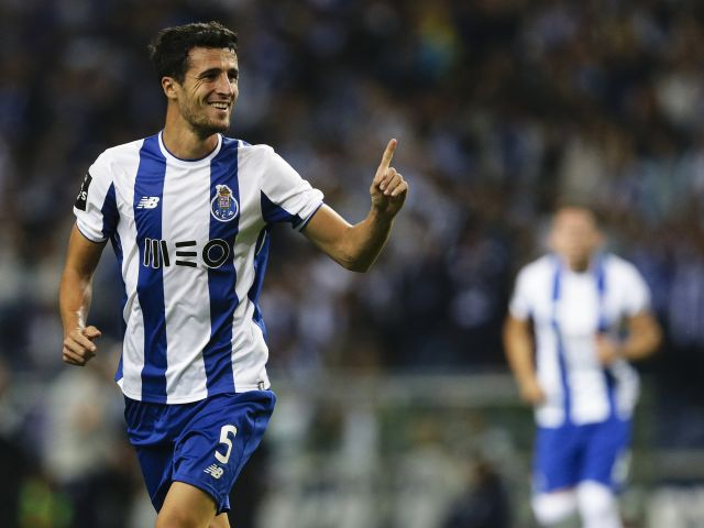 FC Porto go clear as Sporting stumble