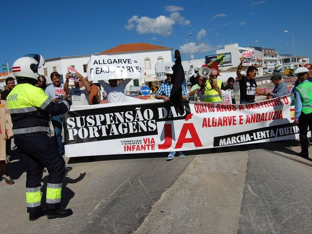 Slow march staged against 'minimal' A22 toll reduction