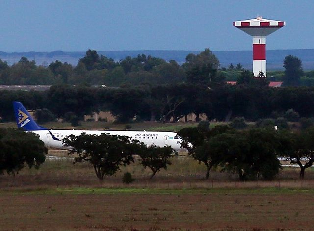 Aircraft sparks concern after losing instruments over Lisbon