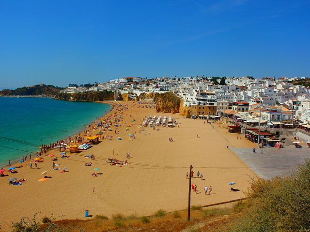 Algarve almost full for August
