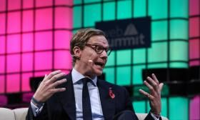 Cambridge Analytica CEO denies working with Russia on Trump's election