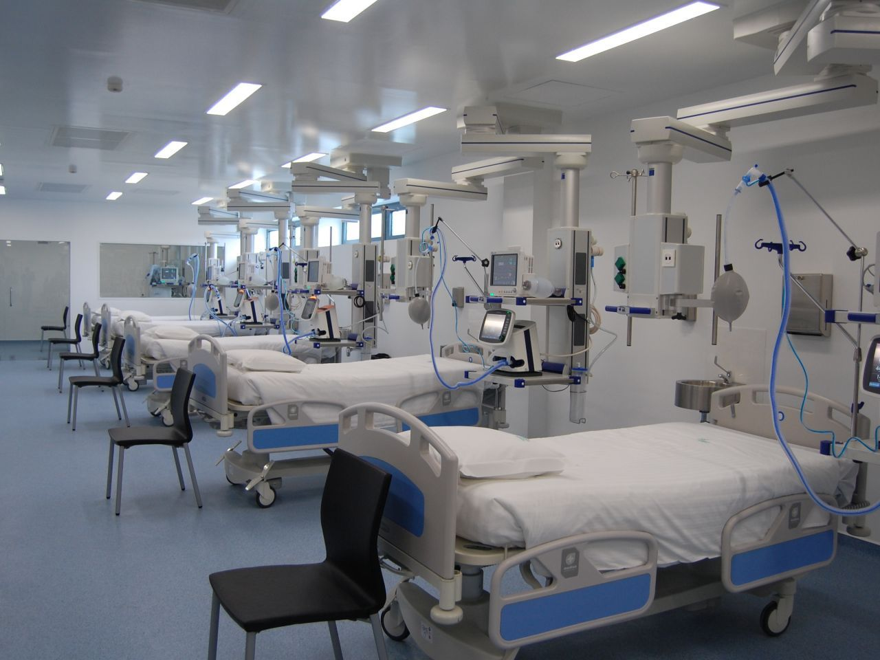 Covid-19 hospital beds at 80% occupancy - The Portugal News