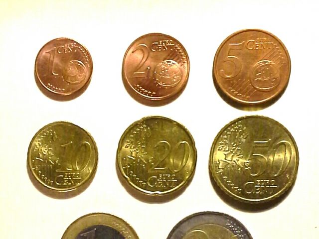 Portugal buys 1 and 2 cent coins from Ireland