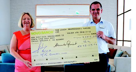 Four Seasons Fairways present Acca with €1,000 cheque