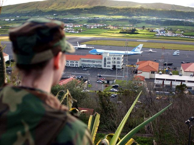 Stay of execution for US-Azores airbase