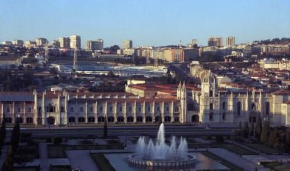 Lisbon council suspends local accommodation registration in five areas