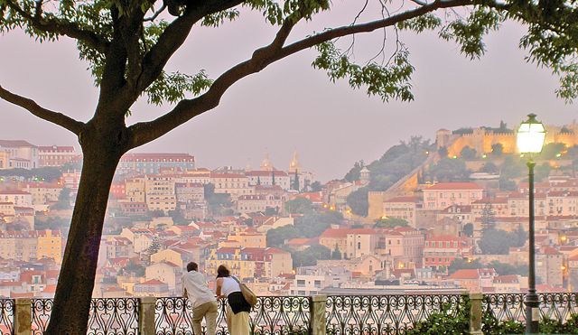 Lisbon tourist tax to pay for new electric urban cleaning project