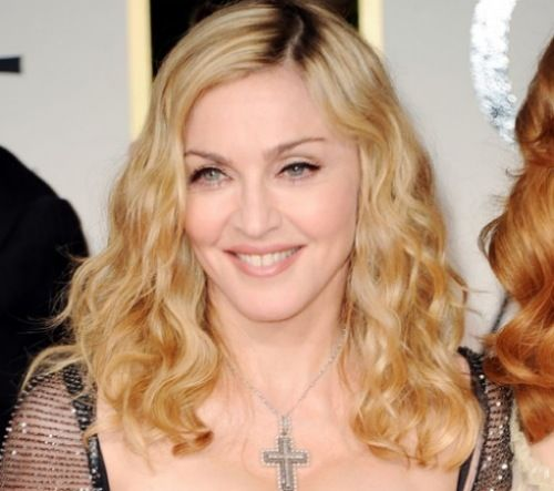 Madonna can't find a house in Lisbon, but finds a horse