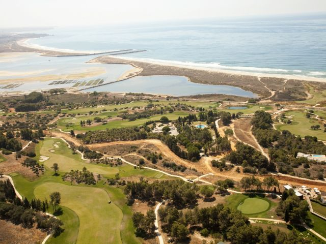 Palmares Golf wins award as Portugal's best golf course