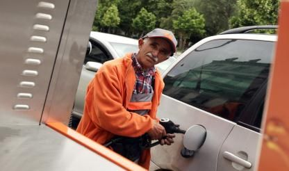 Fuel prices reach record highs, diesel prices highest in 56 weeks