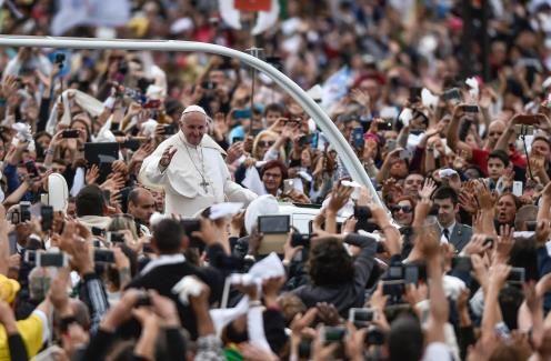 Pope canonises shepherds in huge Mass