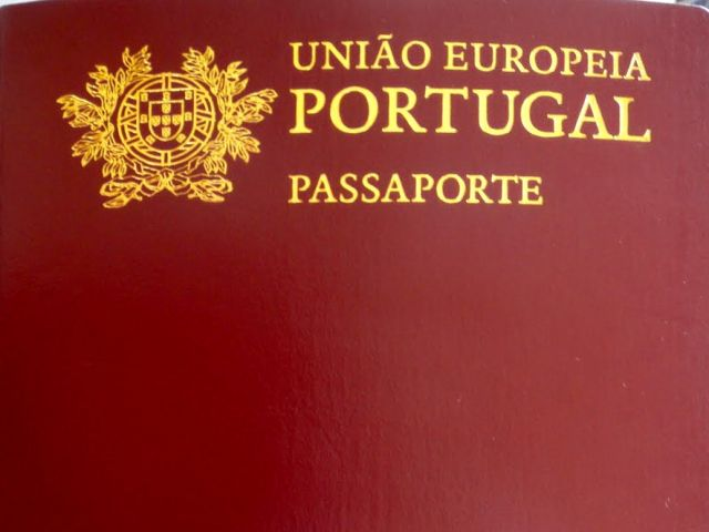 Image result for Ronaldo portugueses Passport