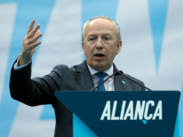 Ex-PM Santana Lopes elected leader of Alliance party