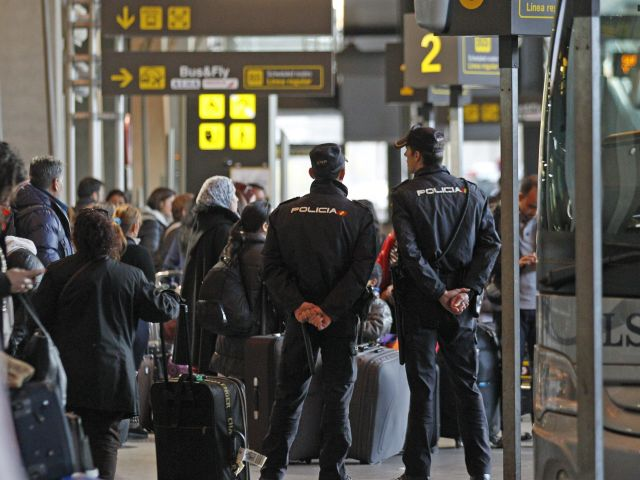 Ringleader of violent northern group detained at Madrid Airport
