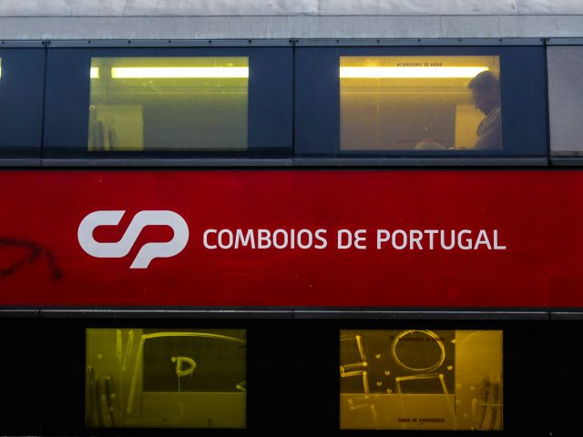 State injects €32m into rail operator CP as deal to hire Spanish trains signed