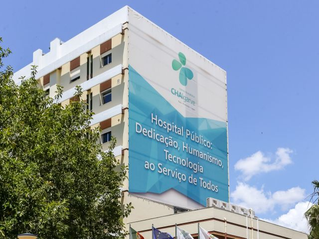 Health Ministry admits it may review incentives to lure more doctors to Algarve