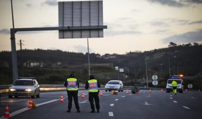 Police arrest six in Lisbon-Algarve motorway roadblock