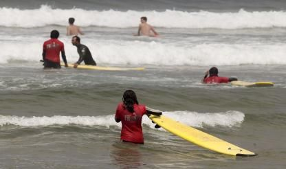 Portugal's surfers sue canoeing counterparts