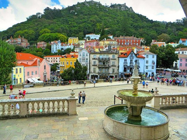 Sintra joins Lisbon, Porto in levying tourist tax to fund town upgrade
