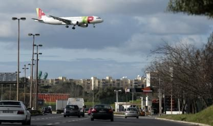 Airline union apologises in advance for Saturday's pilot strike