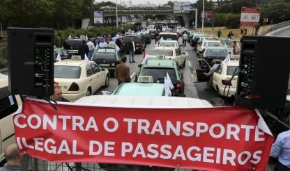 Taxis in nationwide protest