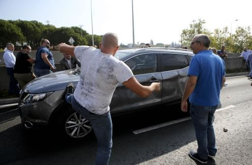Taxi drivers wreak havoc in Lisbon - The Portugal News