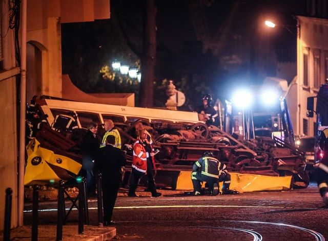 Shocking Lisbon crash sees tram derail and smash into building