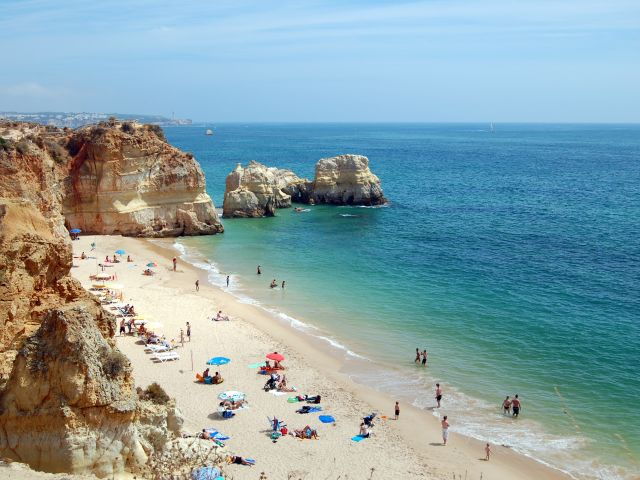 More Algarve tourists this September than last