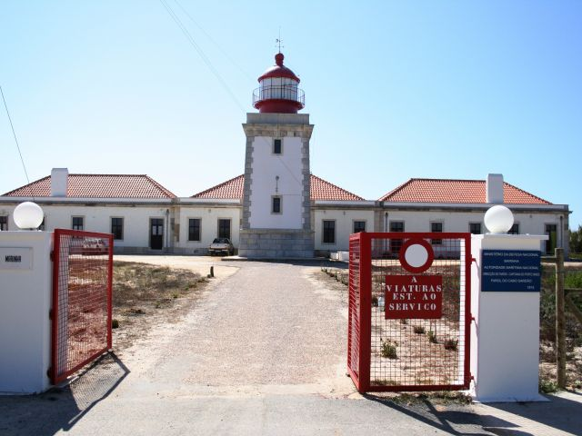Portugal's lighthouses open every day for a week to mark Navy Day