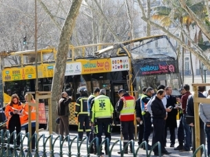 Tourists injured after hop-on, hop-off bus crashes in Lisbon