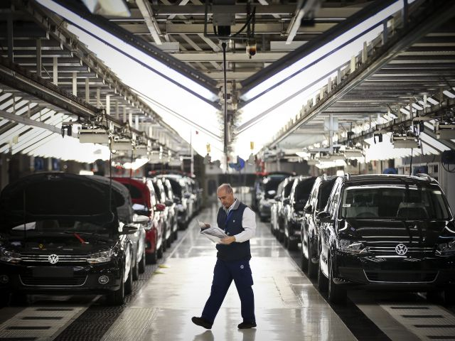 VW car plant breaks production record