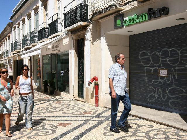 Algarve commerce association up in arms over closure of Faro fashion stores