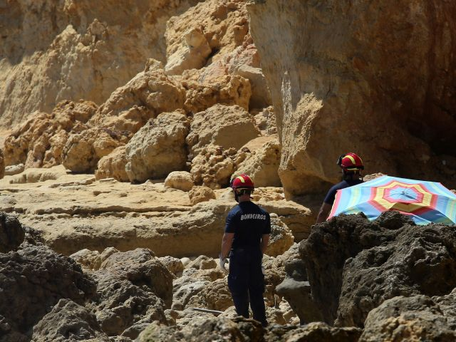 More rockslides this year on Algarve beaches
