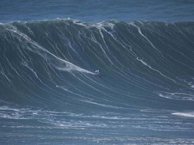 Brazilian Surfer Knocks Garrett Mcnamara Off Throne For