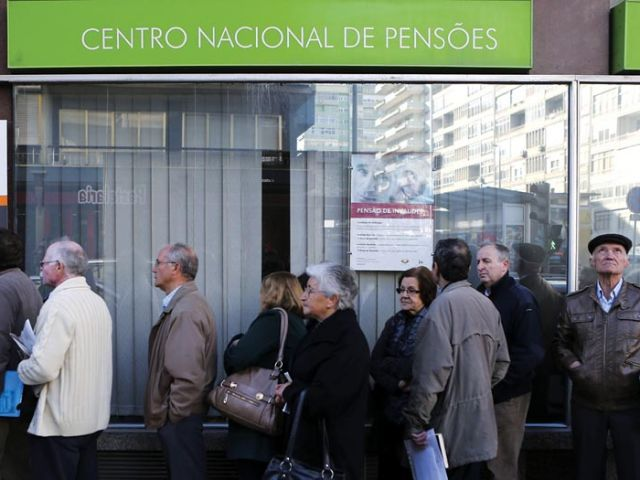 Early-retirement penalty for long-serving workers to go in August