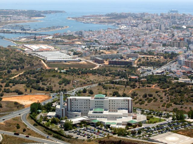 Algarve's hospitals 'won't suffer doctor shortage' over Christmas