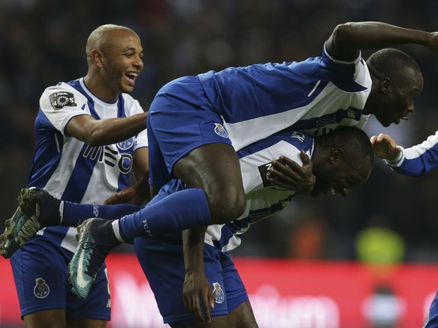 FC Porto, Sporting undefeated at halfway stage