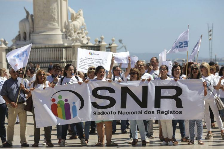 National Registry workers to go on strike