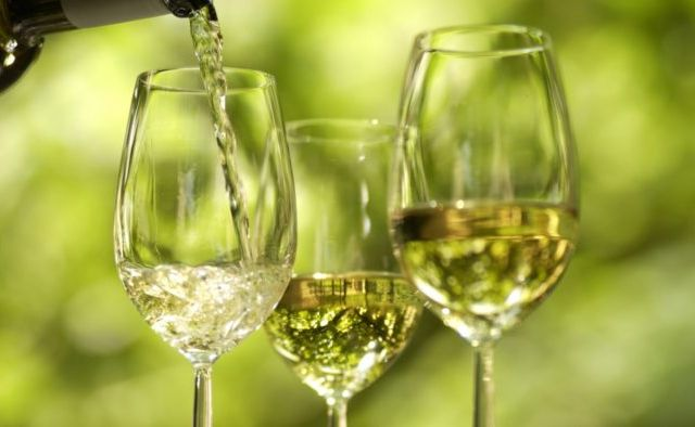 Vinho verde wins double gold in China wine and spirit awards